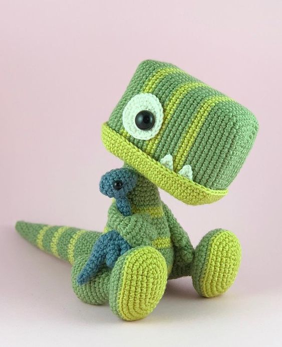 T-Rex bebé en crochet