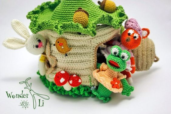 Casa del bosque con animalitos en crochet
