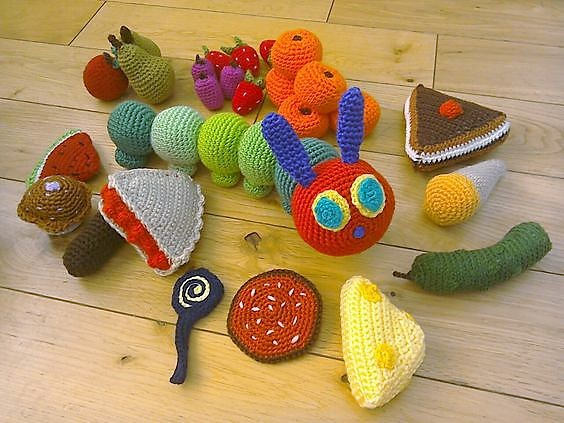 Gusanito y comida en crochet