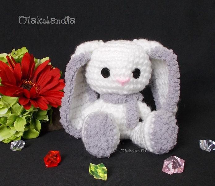 Conejitos guapos, chiquititos y achuchables de Otakulandia en crochet