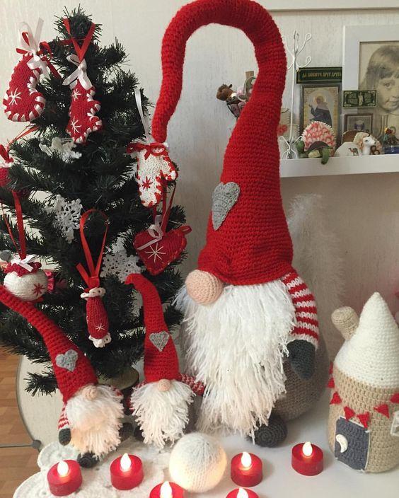 Papá Gnomo con dos lindos gnomos en crochet