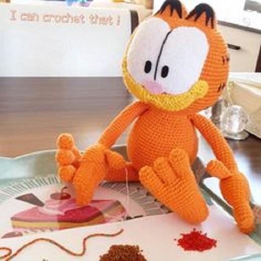 Garfield muy simpático con los ojos enormes, amigurumi