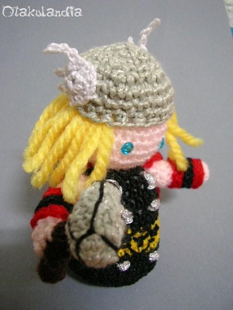 Thor hecho a mano en crochet